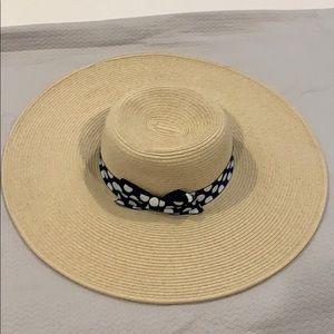 Large floppy Hat